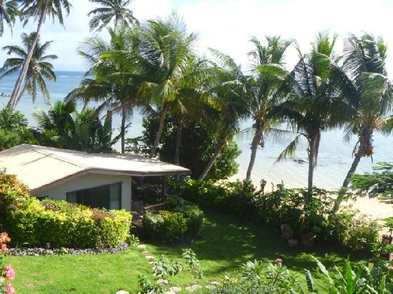 Coconut Grove Beachfront Cottages: The Banana Bure overlooking the ocean