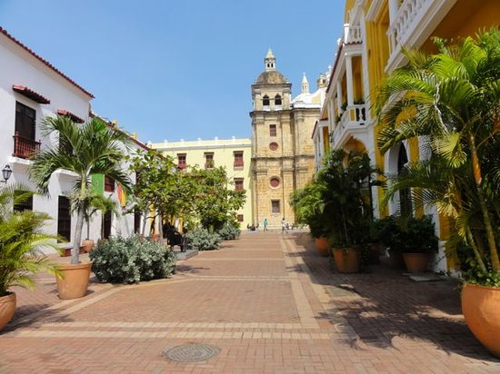 ‪Tour in Cartagena with Marelvy Pena-Hall‬
