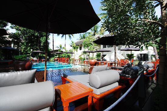 Villa Maly : Poolside