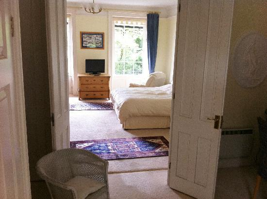 Lammas Park House: The Henley Suite from dressing room