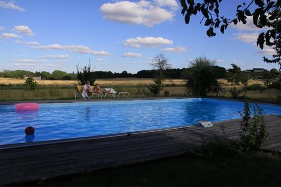 La Cadoise : la piscine en connexion avec la nature