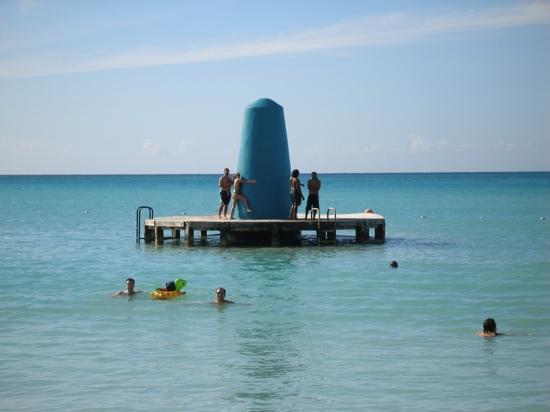 Hotel Riu Palace Aruba: RIU  big blue whatever off shore
