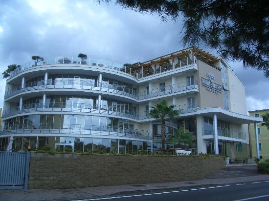 Mediterraneo Palace Hotel : L'hotel dall'esterno