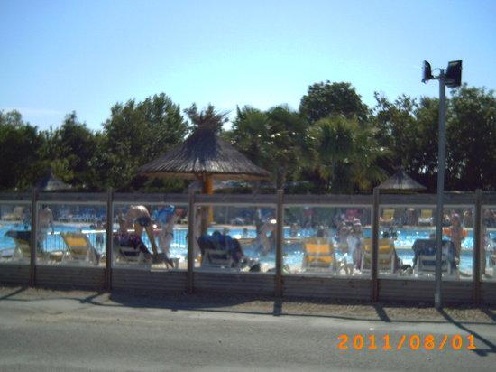Saint-Denis d'Oleron, Frankrijk: piscine extérieure