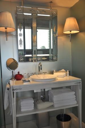 Faena Hotel Buenos Aires: Baño de la Habitación
