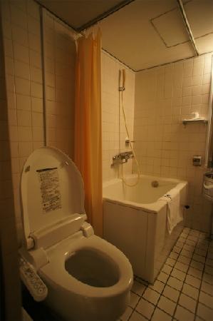 Hotel Livemax Korakuen : バスルーム