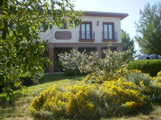 Balcon de los Montes: Fachada jardin