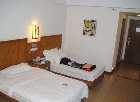 Changlong Hotel: room1