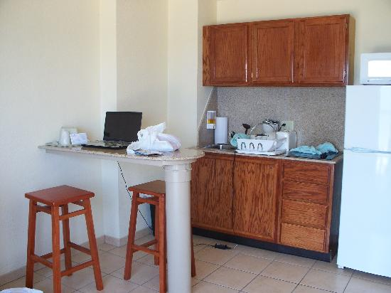 Ocean Suites: The kitchen area