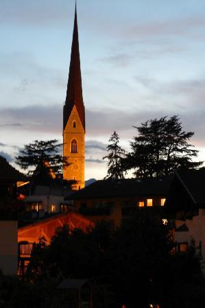 Hotel Schwarzer Widder : Abendstimmung in Schlanders