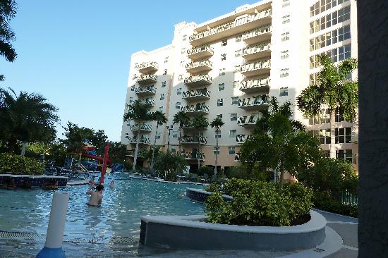 view from balcony picture of wyndham palm aire pompano. Black Bedroom Furniture Sets. Home Design Ideas