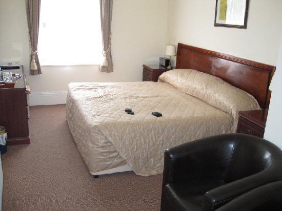 The Devonshire Park Hotel Eastbourne: Bedroom