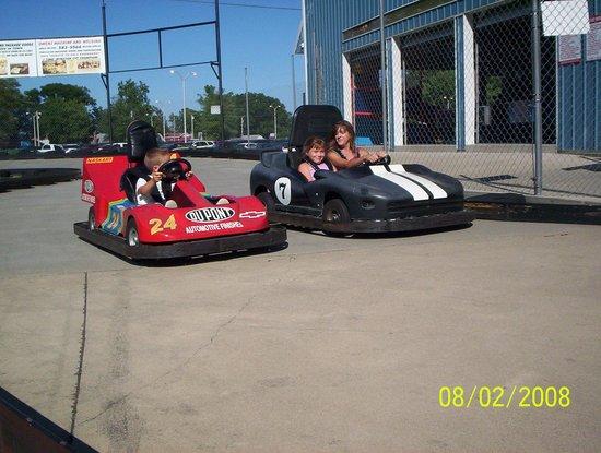 NASCAR Go Cart Track: Kart Fans