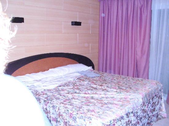 Sant Jordi Boutique Hotel: Habitación triple