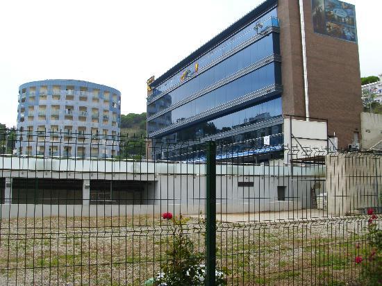Hotel Sant Jordi: Edificio Creu Groga dónde está el spa