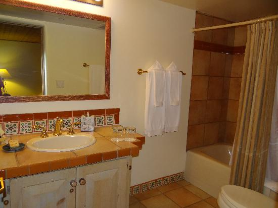 Inn on the Alameda: Bathroom