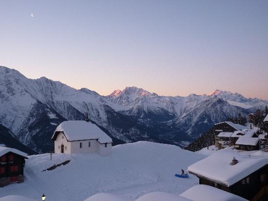 Hotel Restaurant Panorama: Morgenstimmung vom Balkon