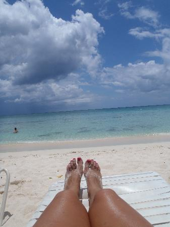 7 Mile Beach Resort and Club: view from my beach chair!