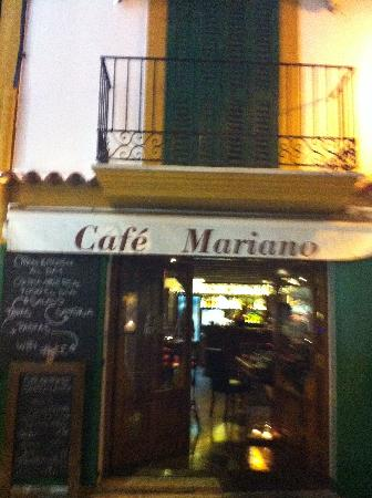 Mariano Apartamentos: The bar/ restaurant/ entrance to the apartment stairs