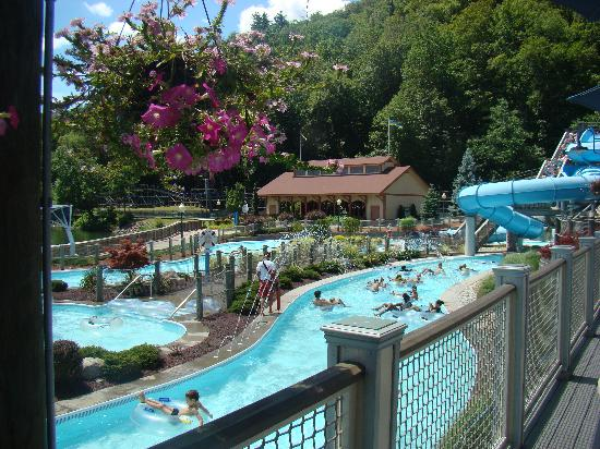 Lake Compounce: Lazy river