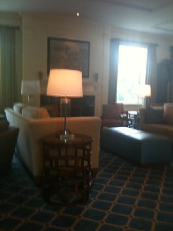 Andover Inn: lobby