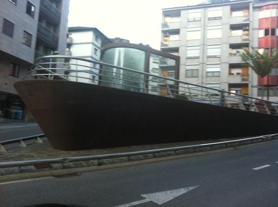 Andorra la Vella, Andorra: barco plaza