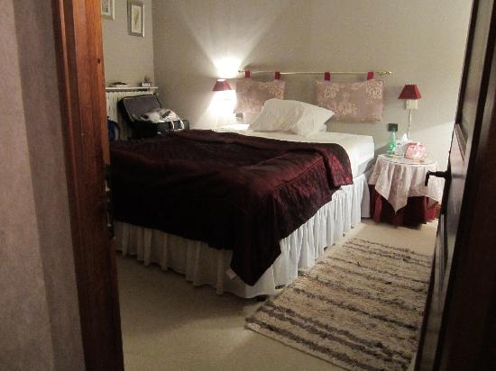 B & B in Limoux at Domaine St George: The Orchid Suite's main bedroom