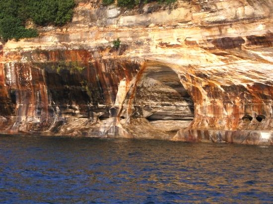 Pictured Rocks National Lakeshore : Sandstone Cliffs