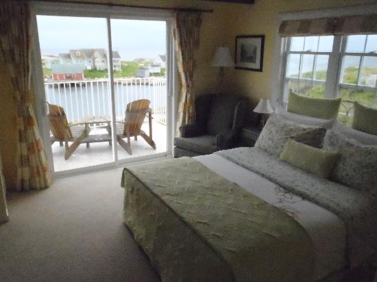 Peggy's Cove Bed & Breakfast: Look at the view from your room!