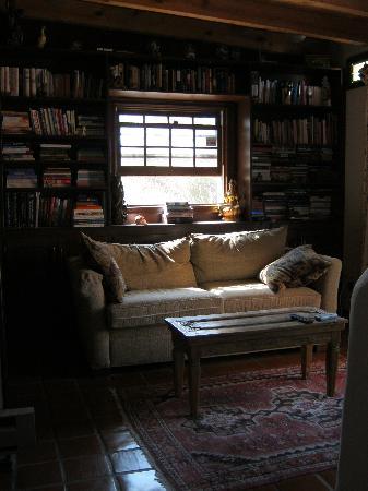 Crystal Mesa Farm B&B: the den/library/sitting room
