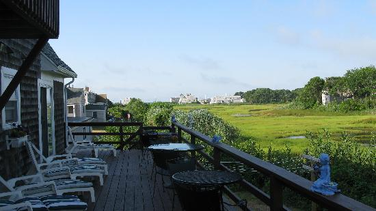 Cape Cod Ocean Manor: Ocean Manor Inn -- Deck at the rear of the Inn