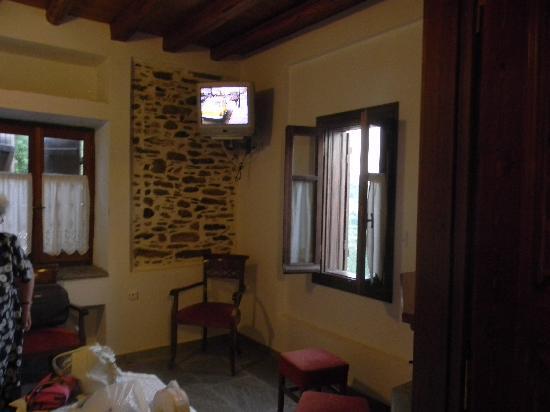Arhontika Saltis: Saltis Guesthouse