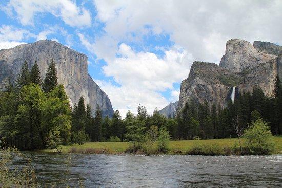 Groveland, CA: A Yosemite Guide Service stop