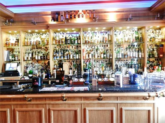Campbeltown, UK : Ardshiel Hotel bar