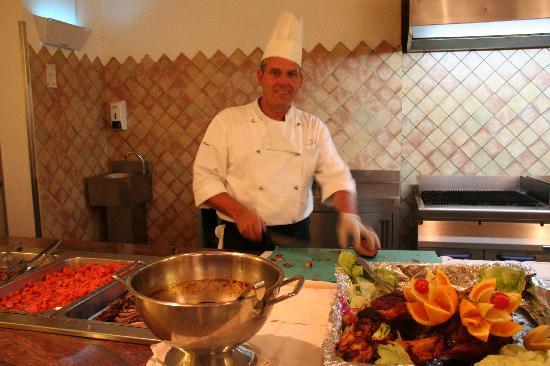 Costanza Beach Club: Le chef cuisinier