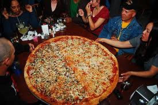 42 Quot Pizza Picture Of Big Lou S Pizza San Antonio