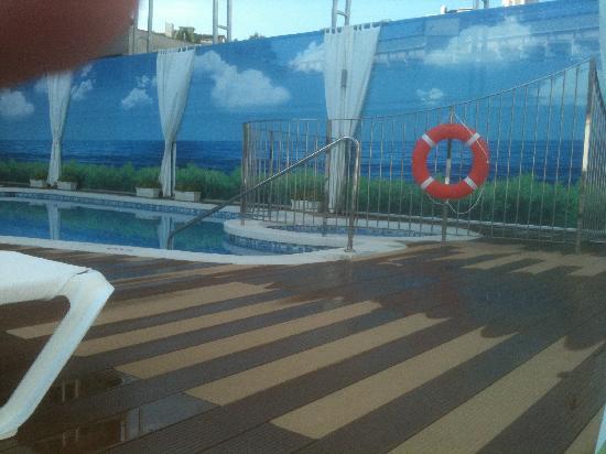 Riviera Beachotel: Pool