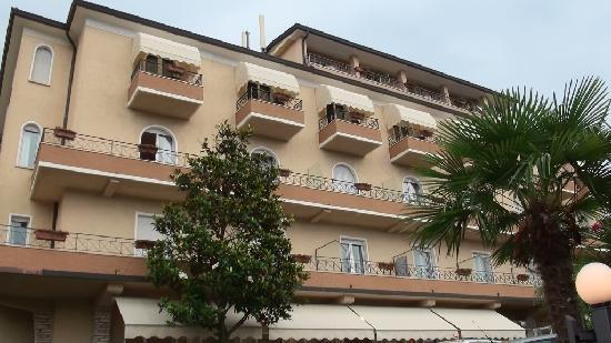 Hotel Pace: Hotel La Pace, Torri del Benaco.