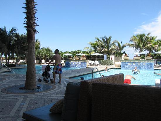 Marriott's Oceana Palms: Swimming pools