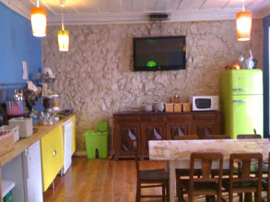 Alface Hostel Lisboa: Cozinha