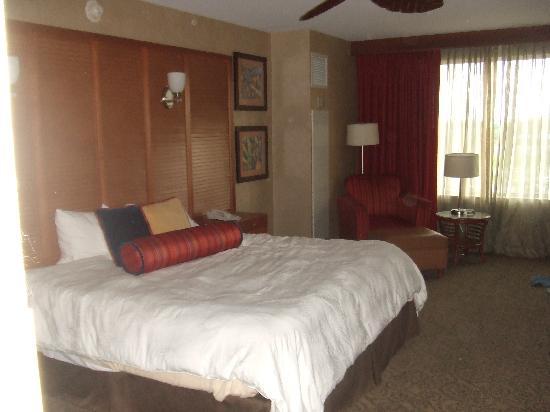 Isle Casino Hotel Waterloo: Nice spacious rooms with big beds.