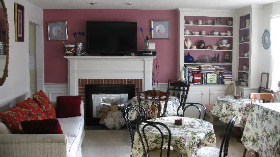 Cape Cod Ocean Manor: Ocean Manor Inn Dining Room