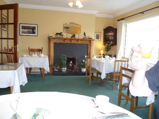 Moher Lodge: dining room