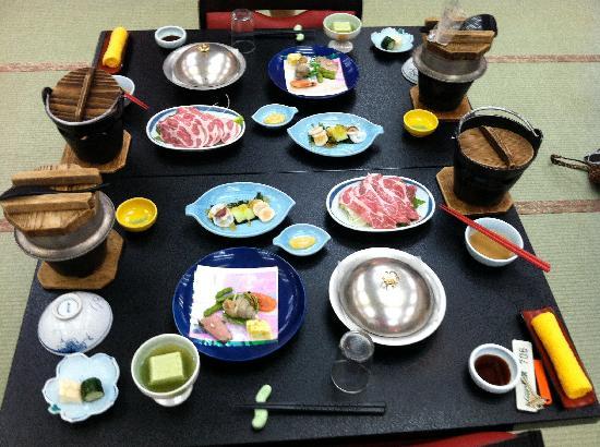 Osake no Oyado Kisen: Dinner for Two