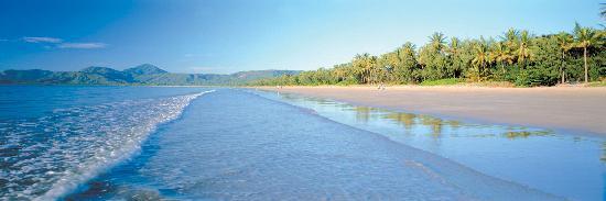 Paradise Links Resort Port Douglas: 500 Metre Stroll to 4 Mile Beach