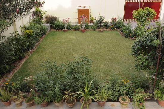 Homestay: Garden