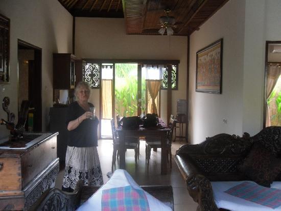 Tirtarum Villas, Canggu Bali: Dinning