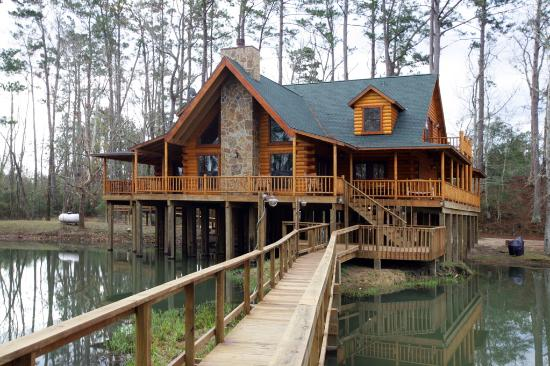 The retreat at artesian lakes updated 2017 prices for Texas cabins in the woods