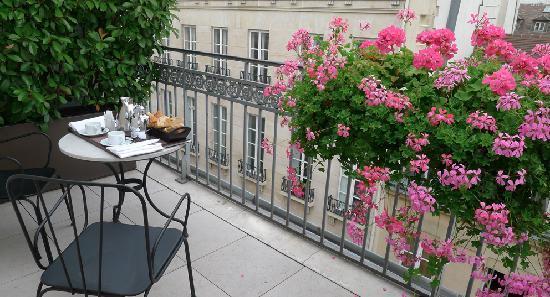 Hotel Esprit Saint Germain: Breakfast on the Terrace!