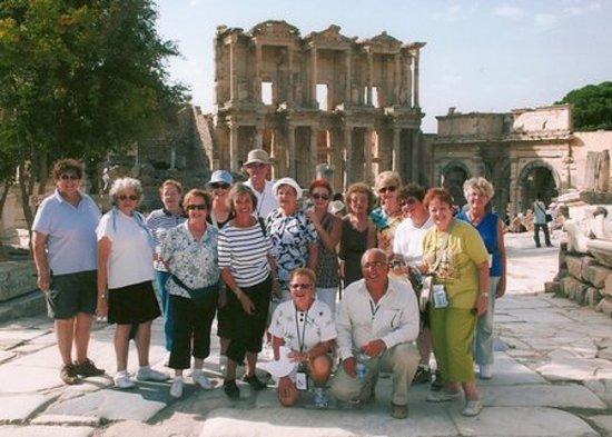 Ephesus Travel Guide - Private Ephesus Tours: Tours by Ephesus Travel Guide - Guide Semih in front of Ephesus Library